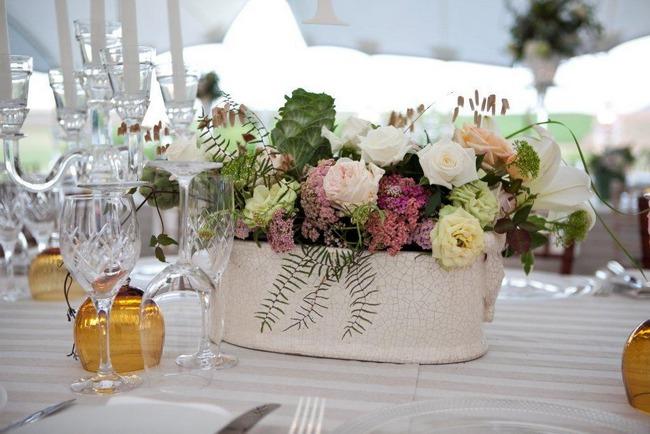 vintage-wedding-decor-idea-flower-centrepiece-by-aleit-wedding-co-ordination-shot-by-zara-zoo1